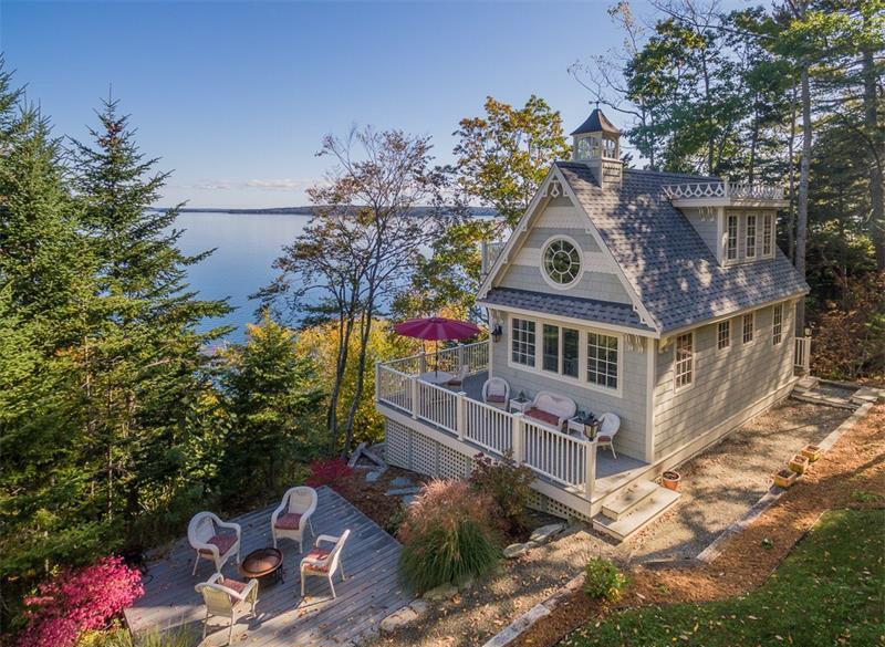 514 Shore RD, Northport