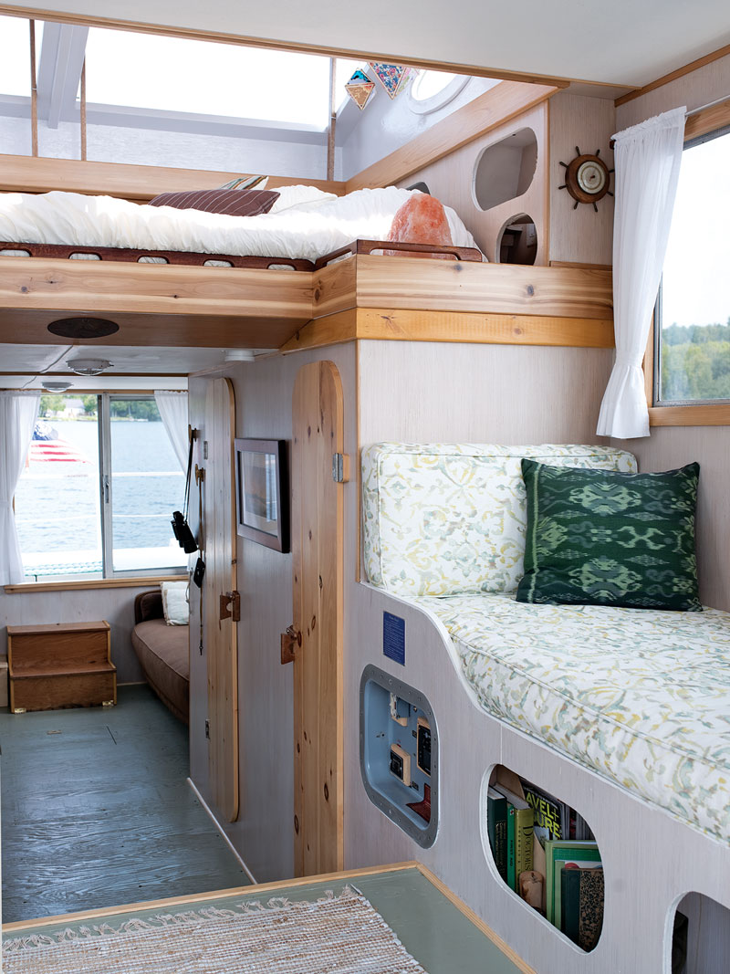 houseboat bunks