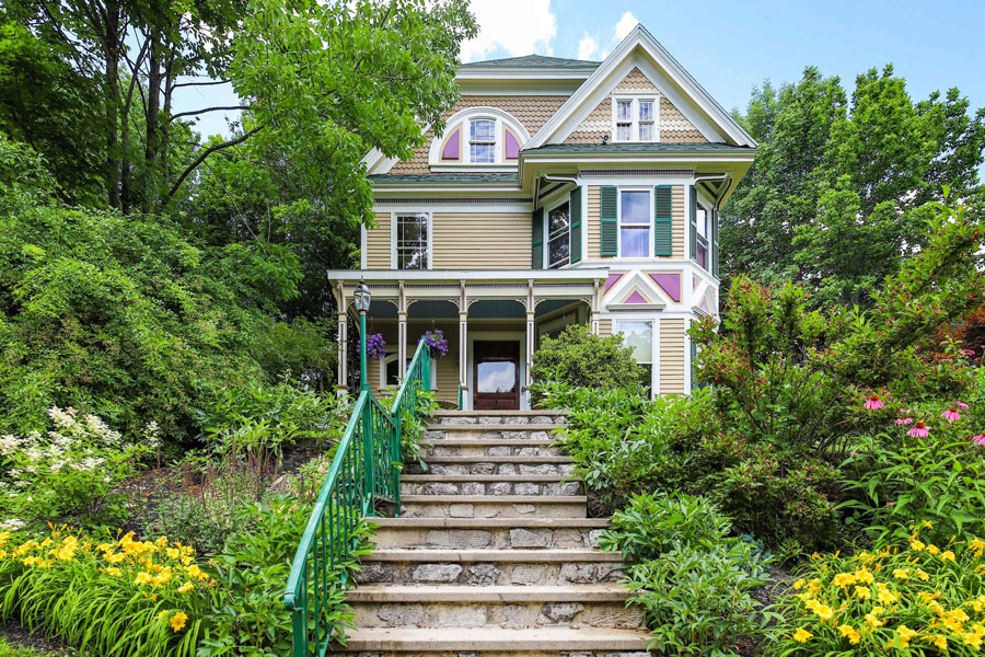 Queen Anne for sale in Gardiner Maine