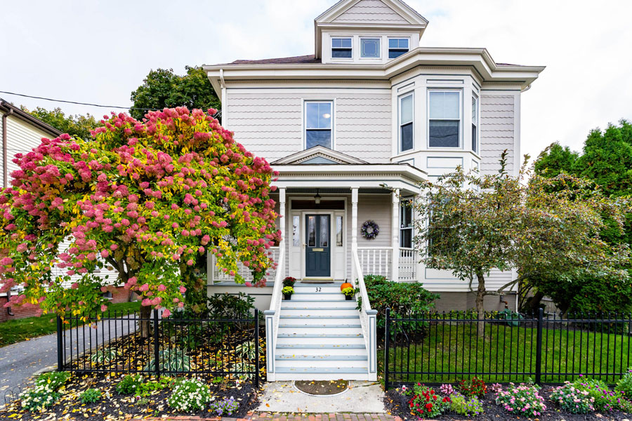 Queen Anne for sale in Portland Maine