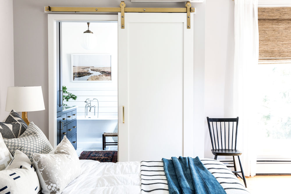 modern farmhouse vibes in the master suite